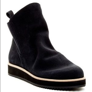 Patricia Green Charley Bootie Black size 8